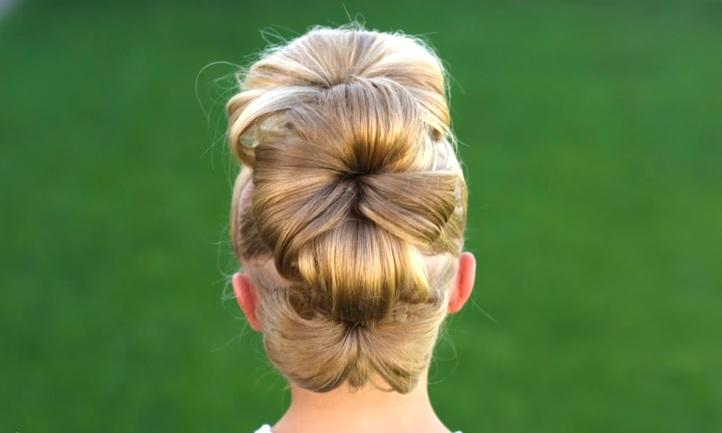 Búi tóc cách điệu hình bông hoa - lạ và đẹp