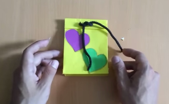 Cách gấp hộp quà bằng giấy theo phong cách Origami