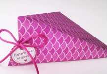 Cách làm hộp quà ấn tượng bằng giấy hồng