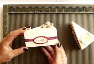 Cách gấp hộp quà hình bánh ngọt siêu dễ thương