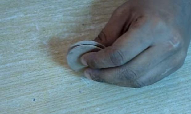Cách làm thuyền xốp đồ chơi gắn động cơ mô-tơ