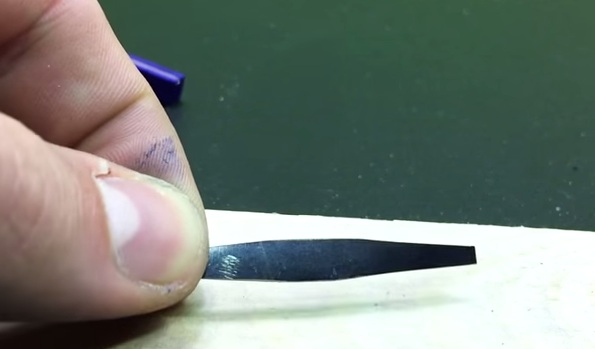 Cách làm nỏ đồ chơi bắn diêm của ninja