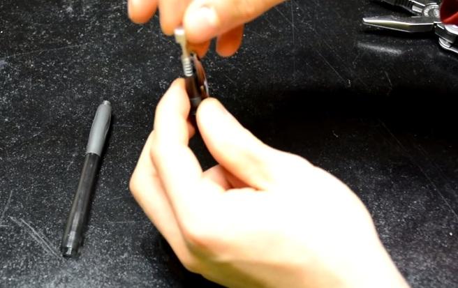 Cách làm súng bút đơn giản từ chiếc bút bi