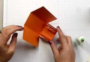 Làm hộp giấy cho món quà hình chiếc chai