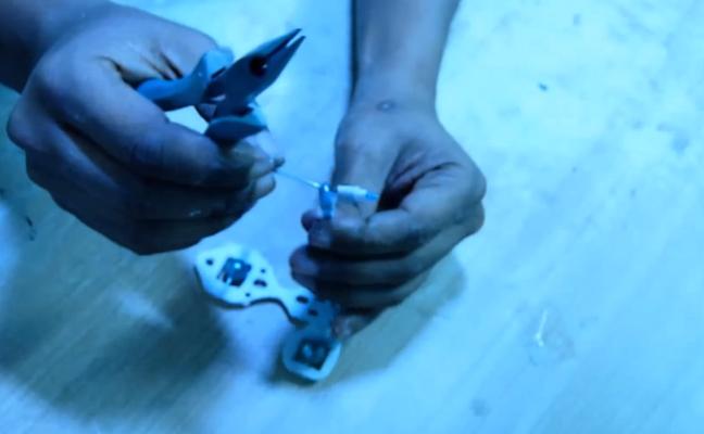 Cách làm ô tô đồ chơi chạy bằng năng lượng gió