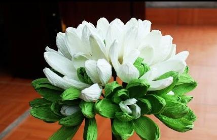 Cách làm hoa mộc lan bằng giấy nhún