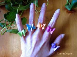 Cách gấp chiếc nhẫn đính cánh bướm Origami