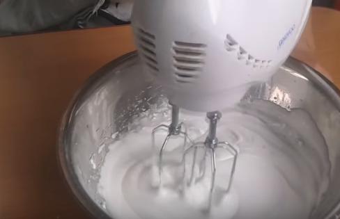 Cách làm kem cho bánh gato sinh nhật – kem Thụy Sỹ
