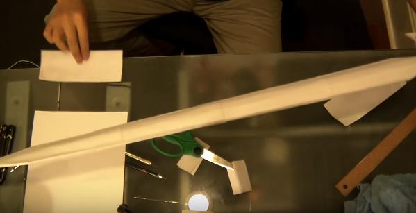 Cách làm thanh kiếm từ que kem và giấy