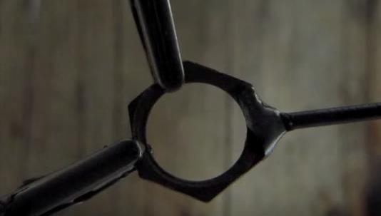 Cách làm phi tiêu ninja tại nhà bằng đinh