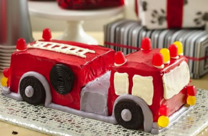 Làm bánh kem sinh nhật cho bé trai nhà bạn