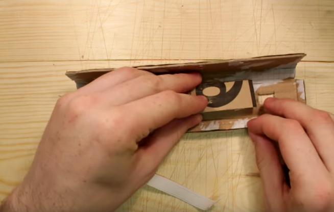 Cách làm cung tên đeo tay bằng giấy