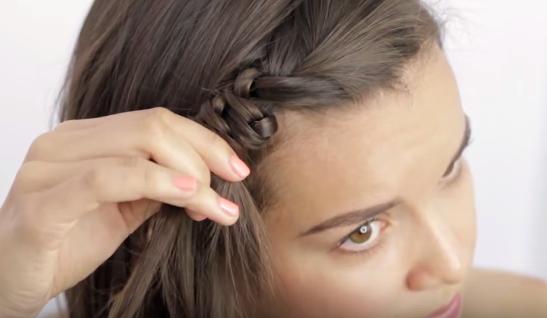 Cách tết tóc mái