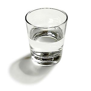 Nước tẩy trắng móng tay chuyên dụng