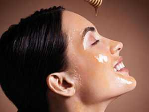 Rửa mặt bằng mật ong
