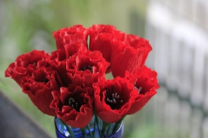 Cách làm hoa tuylip bằng giấy nhún