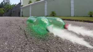 Cách làm tên lửa đơn giản bằng chai và cồn
