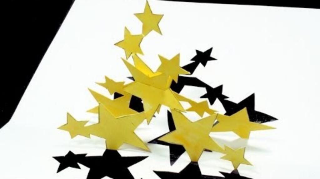 Cách làm thiệp 3D hình ngôi sao bay đẹp mắt