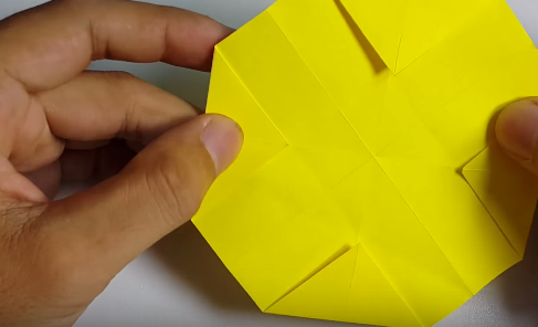 Cách gấp chiếc mũ rơm của Luffi theo nghệ thuật gấp giấy Origami