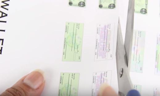 Cách làm ví tiền cho búp bê