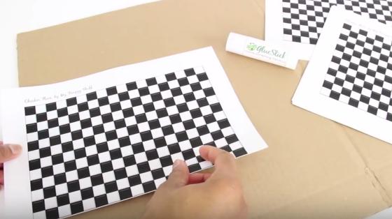 Cách làm nhà cho búp bê bằng những lá bài