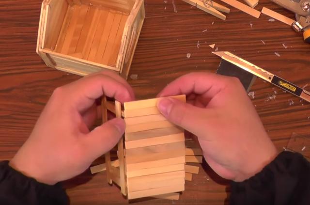 Cách làm nhà đồ chơi cho hamster bằng que đè lưỡi