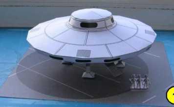 Mô hình giấy đĩa bay