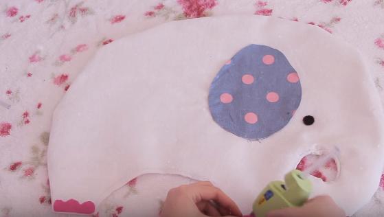 Cách làm gối ôm hình chú voi đáng yêu cho bé