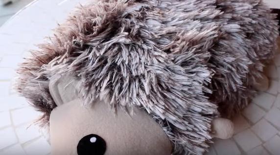 Cách làm thú nhồi bông handmade tuyệt đẹp – làm chú nhím xù