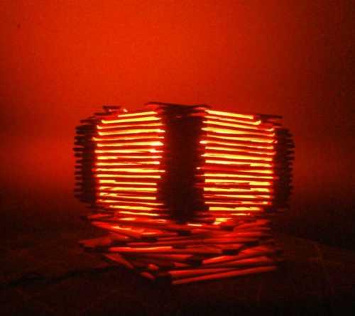Làm một chiếc đèn để bàn bằng que đè lưỡi