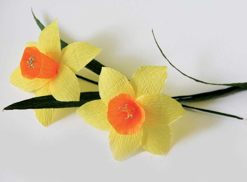 Cách làm hoa thủy tiên bằng giấy nhún