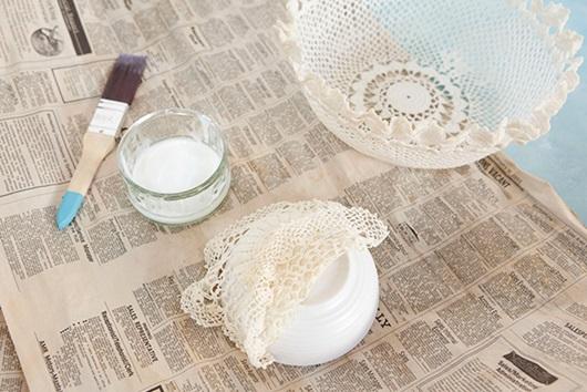 Rổ ren làm bằng keo sữa và vải ren
