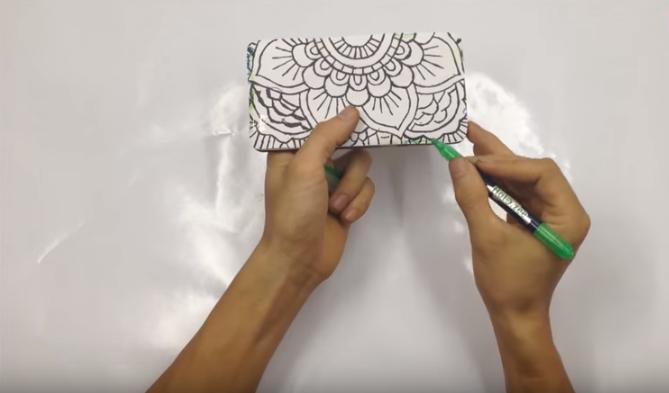 Cách làm ốp điện thoại bằng keo nến độc đáo