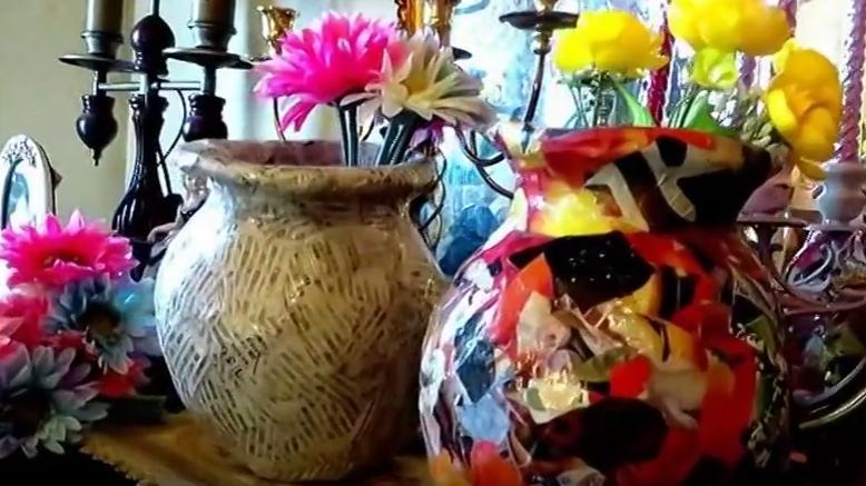 Cách làm bình hoa dễ thương từ giấy báo và keo sữa