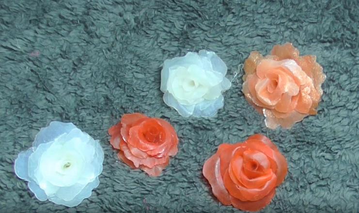 Cách làm bông hoa bằng keo nến tuyệt đẹp