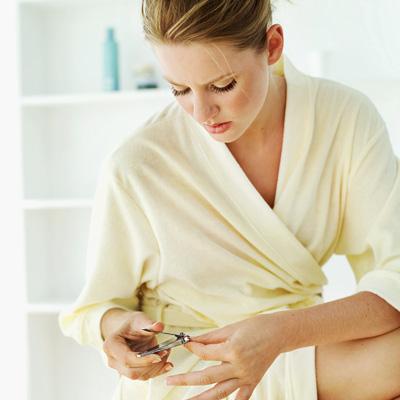 Cách chăm sóc móng tay khỏe đẹp tự nhiên