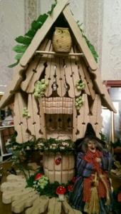 Cách làm nhà đẹp mắt bằng kẹp gỗ