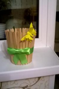 Cách làm chậu đựng cây đơn giản bằng que kem