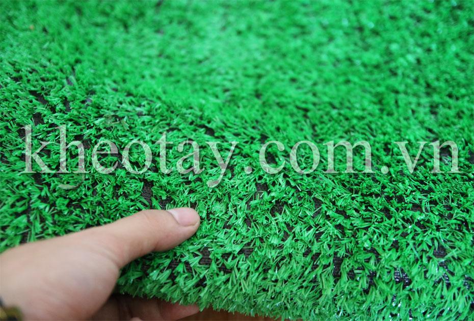 Cỏ 1cm màu xanh sáng - Sợi cỏ to, mật độ cỏ hơi thưa
