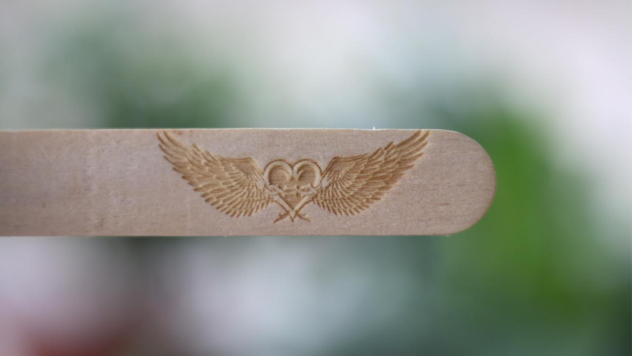 Mẫu khắc đôi cánh thiên thần