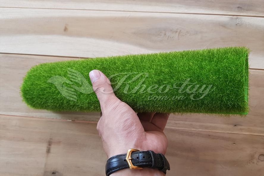 Thảm cỏ có thể cuộn tròn thoải mái