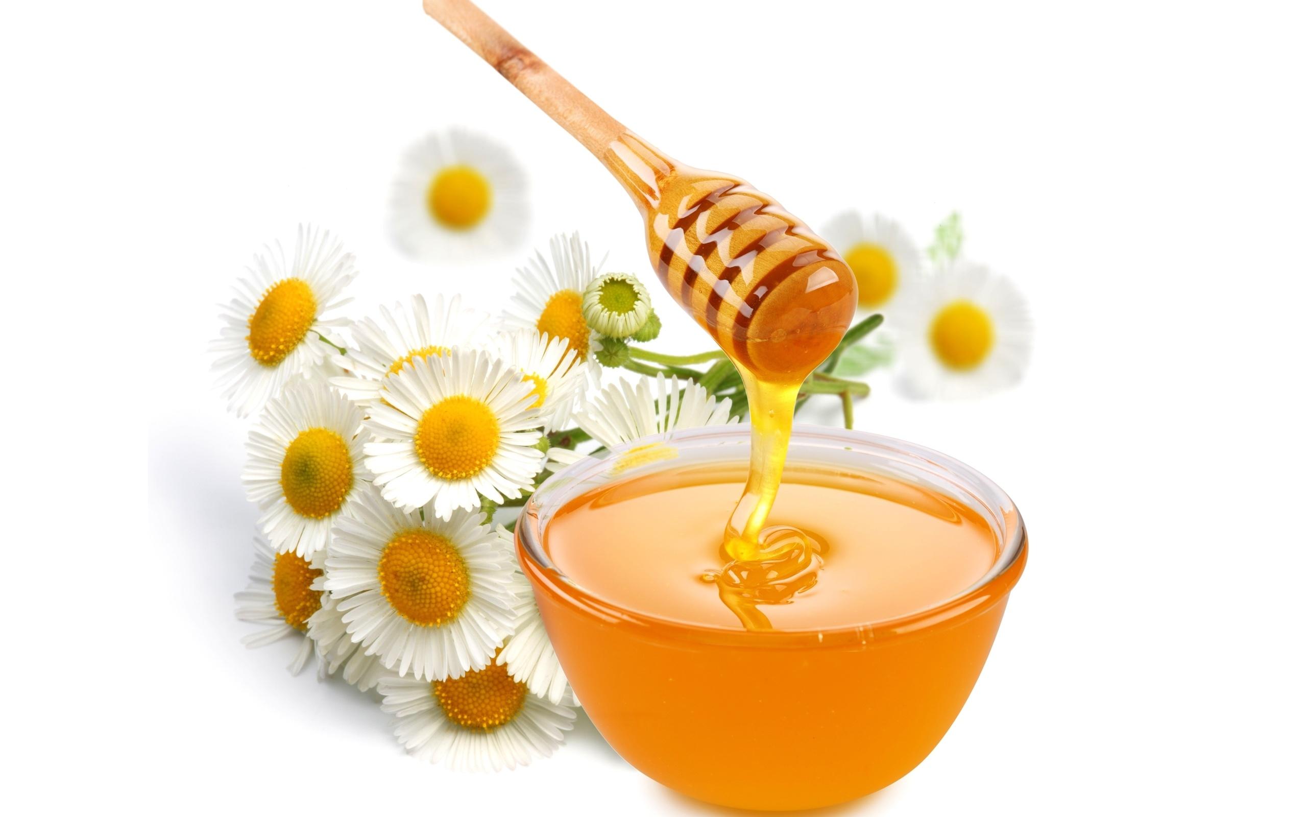 Các cách dưỡng môi bằng mật ong