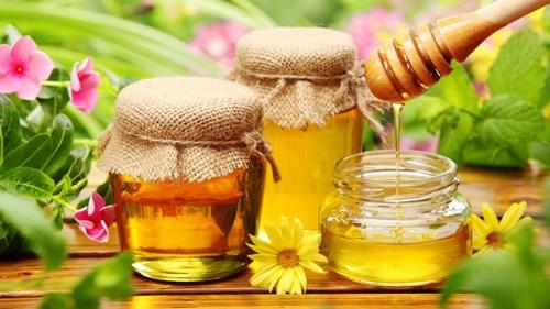 Tất tần tật những lợi ích làm đẹp của mật ong nguyên chất