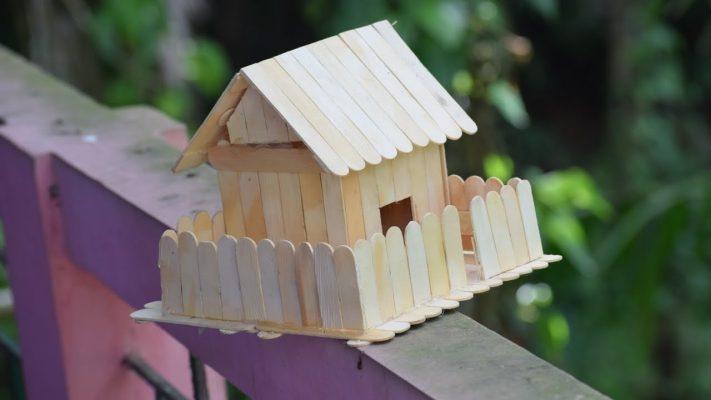 Cách làm mẫu nhà bằng que kem có hàng rào